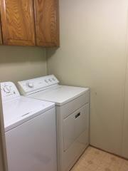 swimming_hole_laundry_room